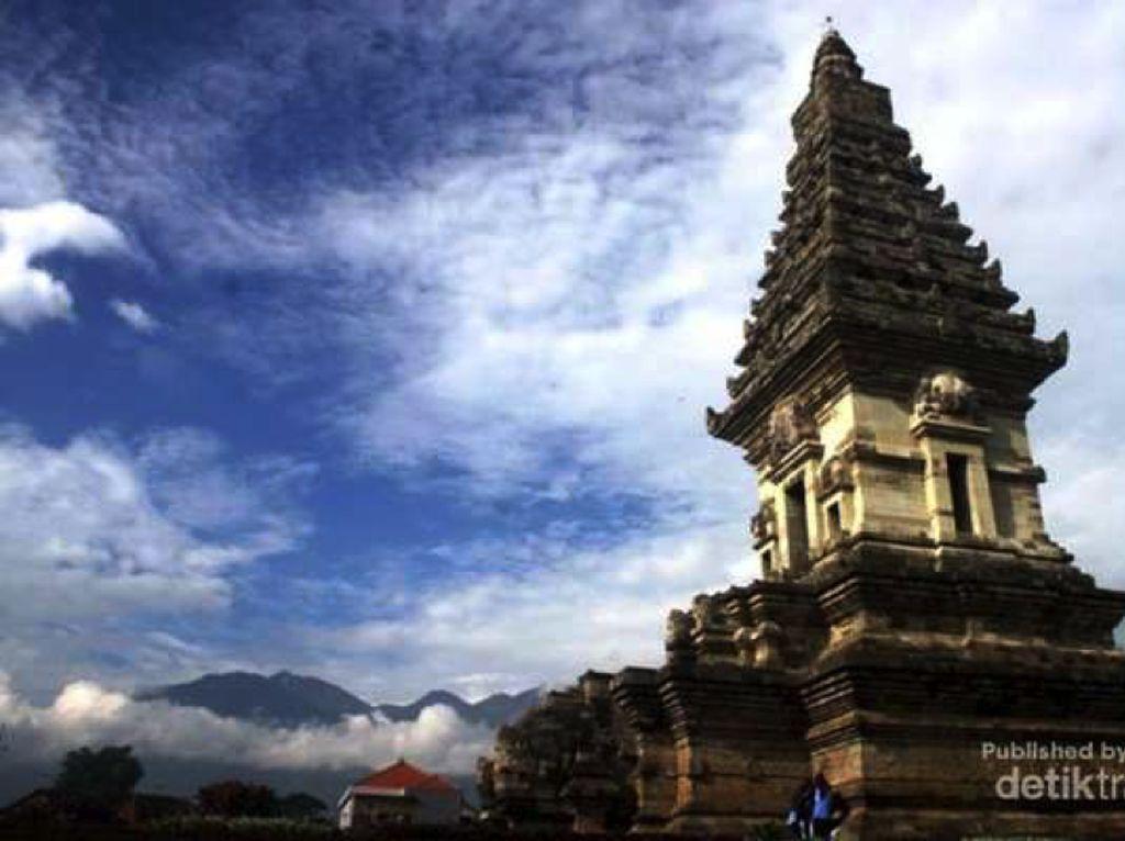 Jelajahi Situs Peninggalan Kerajaan Airlangga & Singosari