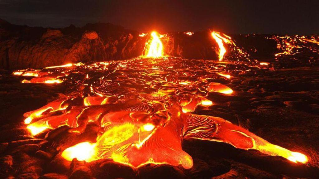 Merah Membara, Ini Danau Lava Gunung Kilauea