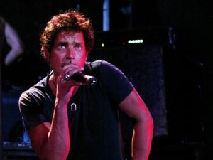 Tim Medis Pastikan Chris Cornell Meninggal Gantung Diri