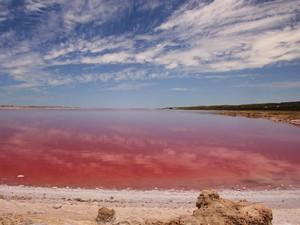 Danau Ajaib Dunia, Bikin Penasaran Buat Liburan ke Sana!