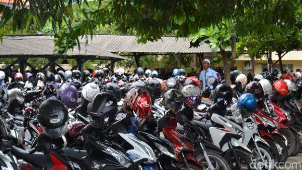 Tarik Parkir di Luar Ketentuan, 3 Orang Dibekuk Saber Pungli Rembang