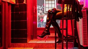 Red Light District Amsterdam Mau Tutup?