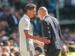 Varane Pernah Dibilang Gila karena Tutup Telepon dari Zidane