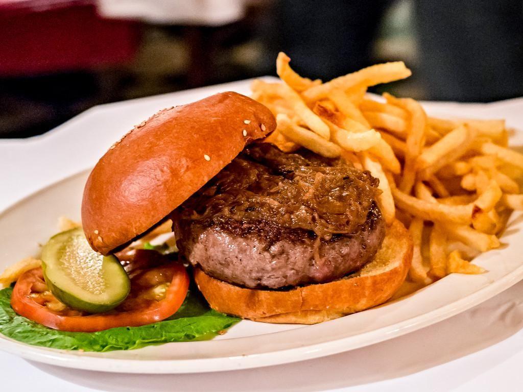 Bikin Lapar, McDonalds Rilis Tas Hingga Kaus Bertema Burger Big Mac
