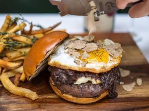 Inilah 10 Burger dengan Harga Selangit di Amerika (1)