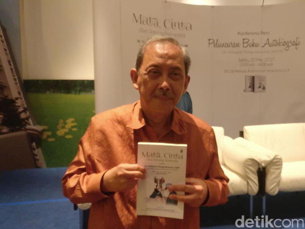 Cerita dr Vidyapati, Pionir Lasik Mata di Indonesia