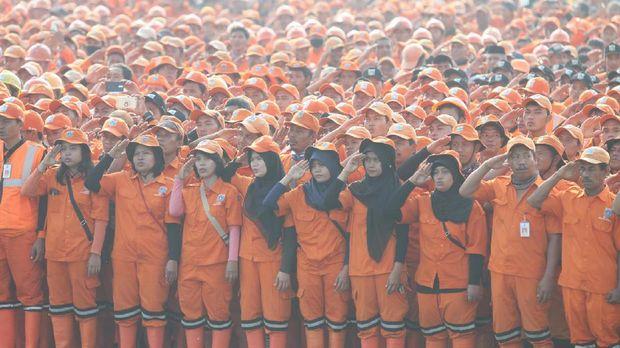 Pasukan Oranye, Harus Pintar Bagi Waktu dan Harapan THR
