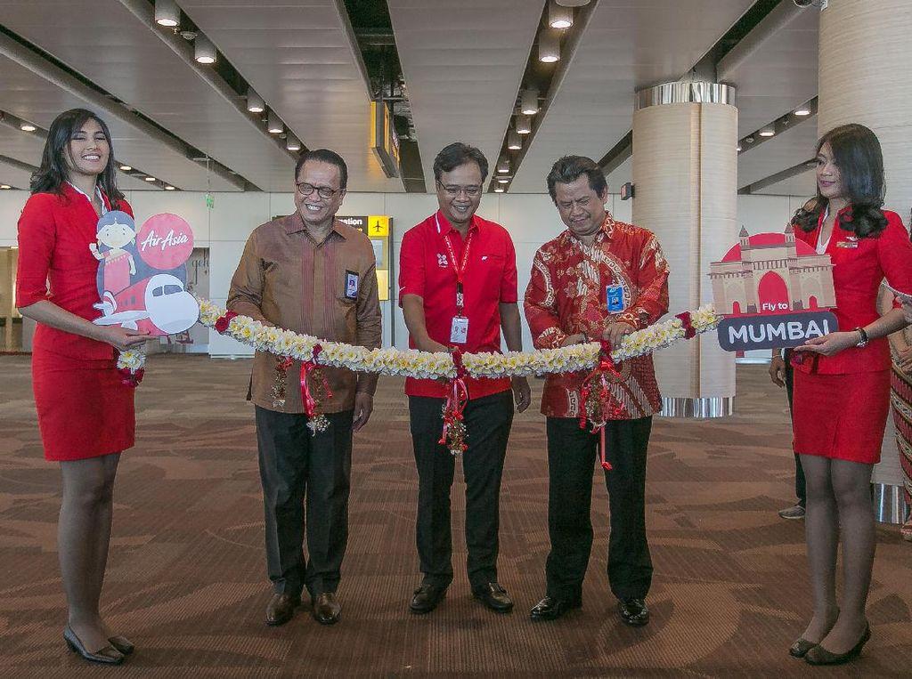AirAsia Lakukan Penerbangan Perdana ke Mumbai dari Denpasar