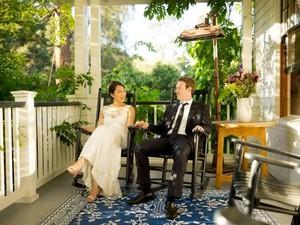Rayakan 5 Tahun Pernikahan, Zuckerberg Umbar Cerita Lucu