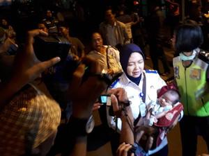 Penumpang KM Mutiara yang Terbakar Tiba di Surabaya