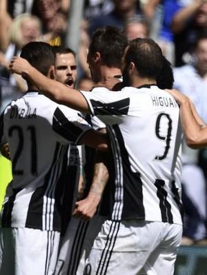 Juventus Kalahkan Roma Lewat Adu Penalti