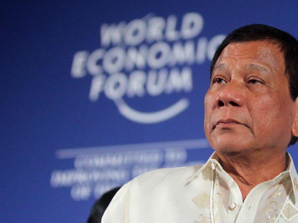 Geram, Duterte Perintahkan 69 Kontainer Sampah Dikirim ke Kanada