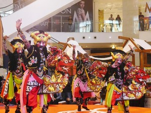 Jaranan Buto Banyuwangi Bikin Heboh Pusat Perbelanjaan Malaysia