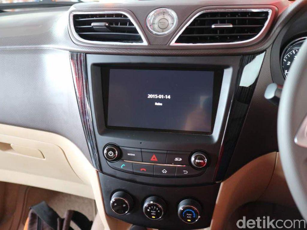 Melongok Fitur Keamanan di Mobil Wuling