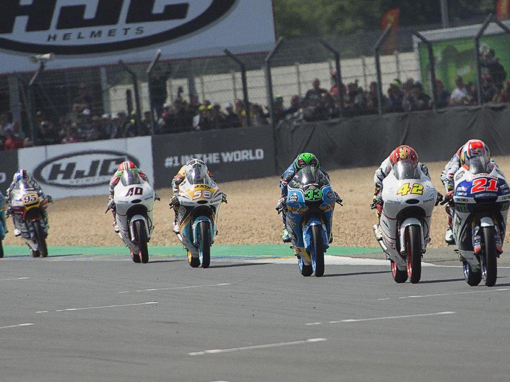 Crash Rombongan, Belasan Rider Moto3 Jatuh Berbarengan