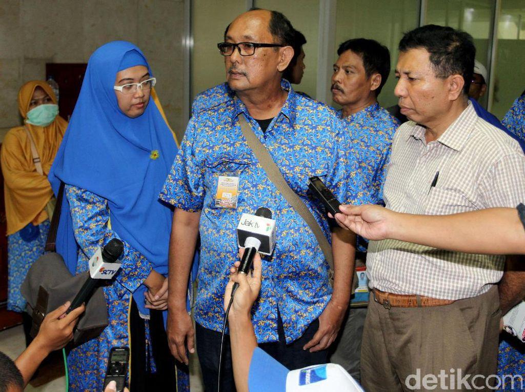 Calon Jemaah Umrah First Travel Datangi DPR