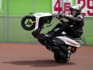 Rekor Wheelie Terjauh, Sampai 500 Kilometer