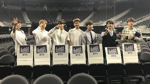 <i>Congrats!</i> BTS Bawa Pulang Piala di Billboard Music Awards 2017