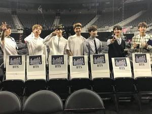 BTS Menang International Artist Award di Teen Choice Awards
