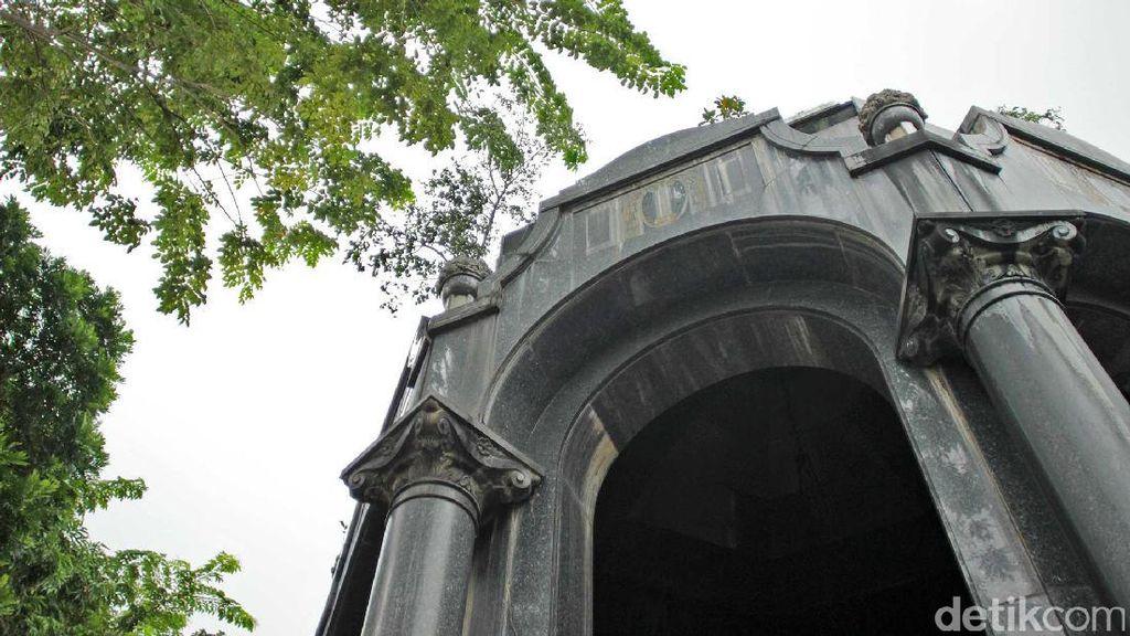 Mausoleum OG Khouw di Petamburan, Megah Tapi Terlupakan