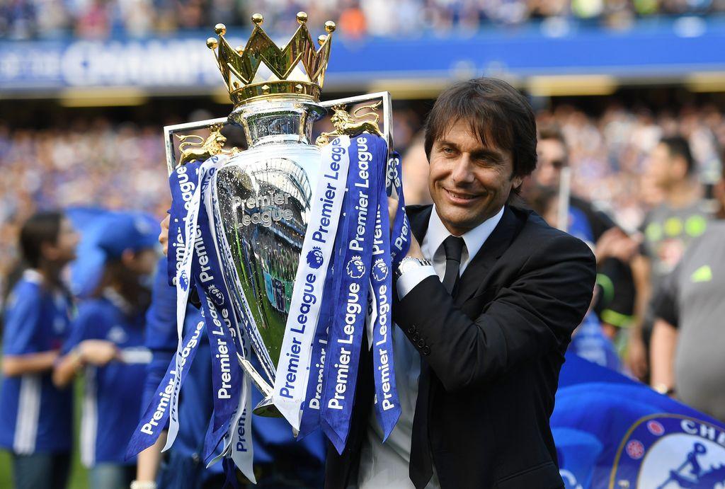 Antonio Conte yang sukses dalam musim pertamanya di Chelsea