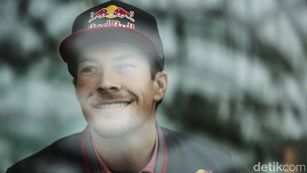 Produsen Motor Kenang Senyuman Lebar Nicky Hayden