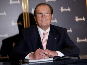 Para Selebriti Turut Berduka Atas Kepergian Roger Moore