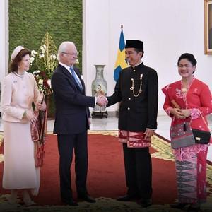 Gaya Presiden dan Paspampres Berpakaian Adat Sambut Tamu Negara