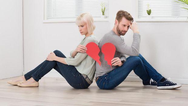 Tanda-tanda Hubungan Suami Istri Mulai Tak Sehat