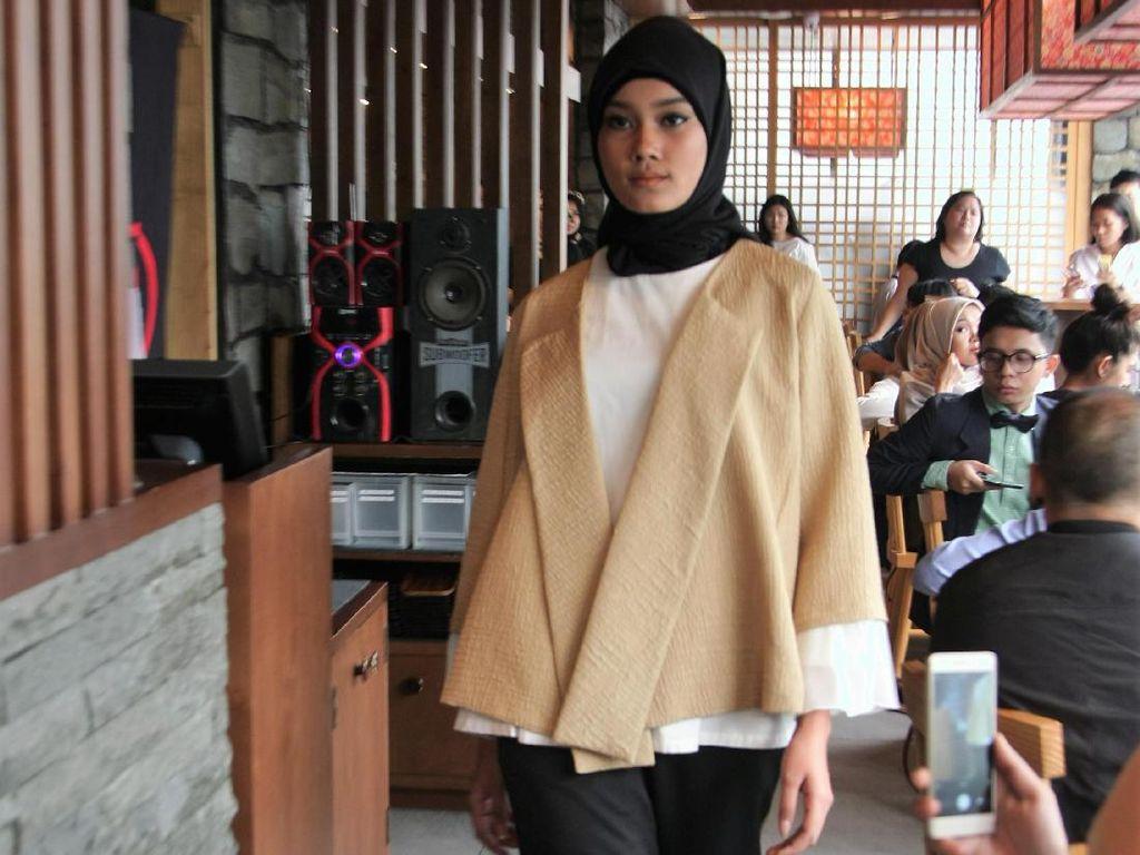 Restu Anggraini Rilis Baju Muslim Bersama (X) S.M.L Untuk Koleksi Ramadan