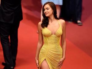 Baru Sebulan Lahiran, Irina Shayk Sudah Seksi Lagi