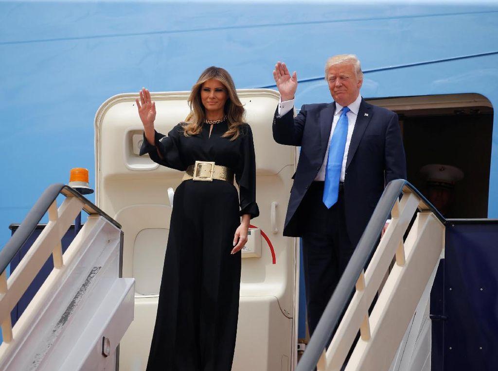 Foto: 11 Penampilan Stylish Melania Trump Saat Kunjungan Kenegaraan Pertama