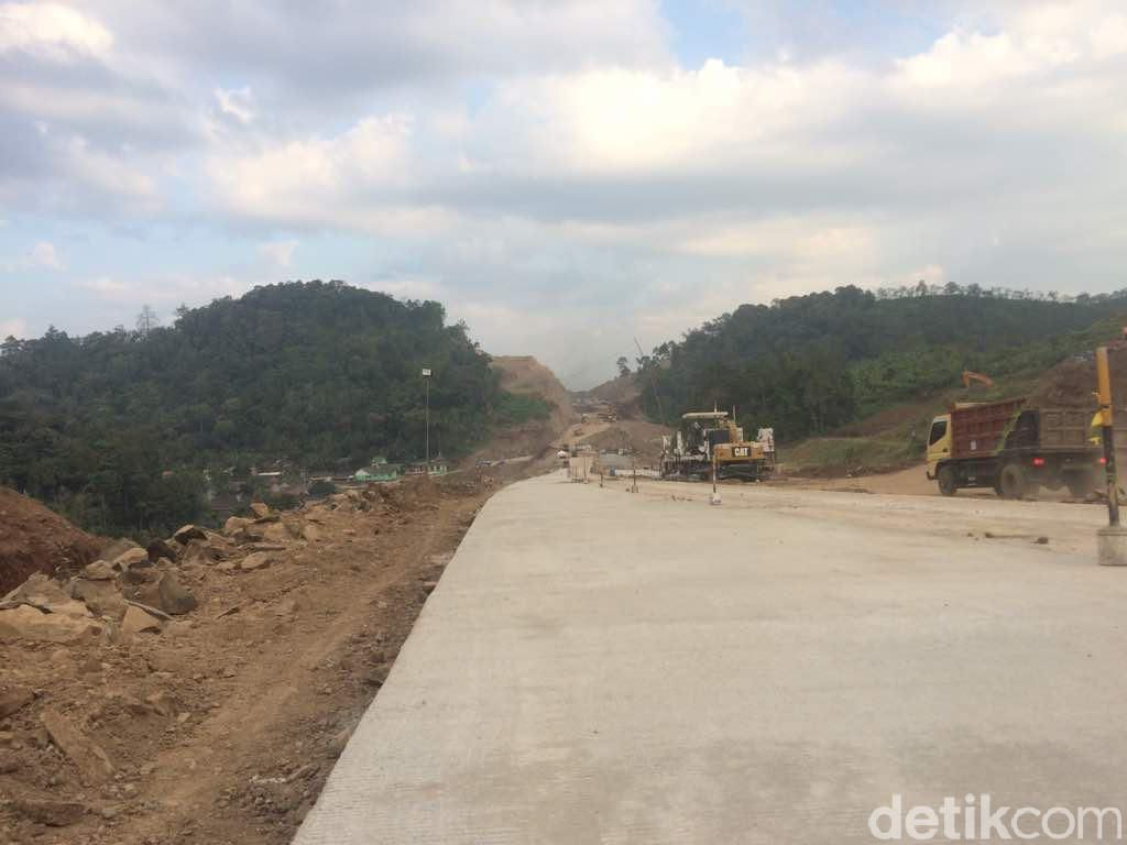 Jalur Tol Batang-Gringsing Dioperasikan Sementara untuk Mudik
