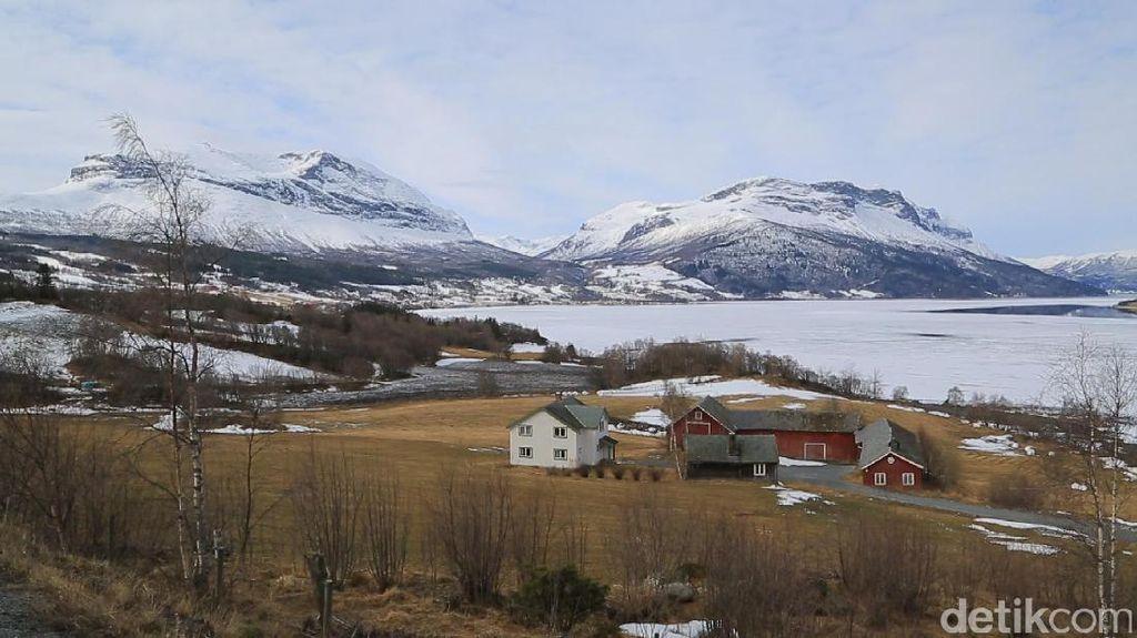 Kisah Muslimah Norwegia Dapat Hidayah Kala Sakit Parah