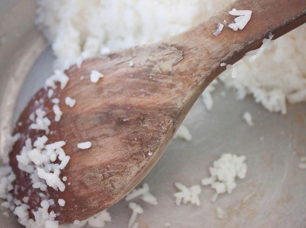 Masih Tentang Nasi Basi yang Viral, Ini Lho Tanda-tandanya
