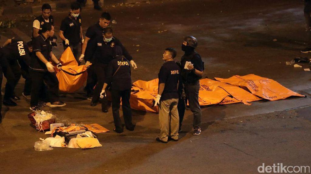 Jenazah Korban Bom Kampung Melayu Dievakuasi