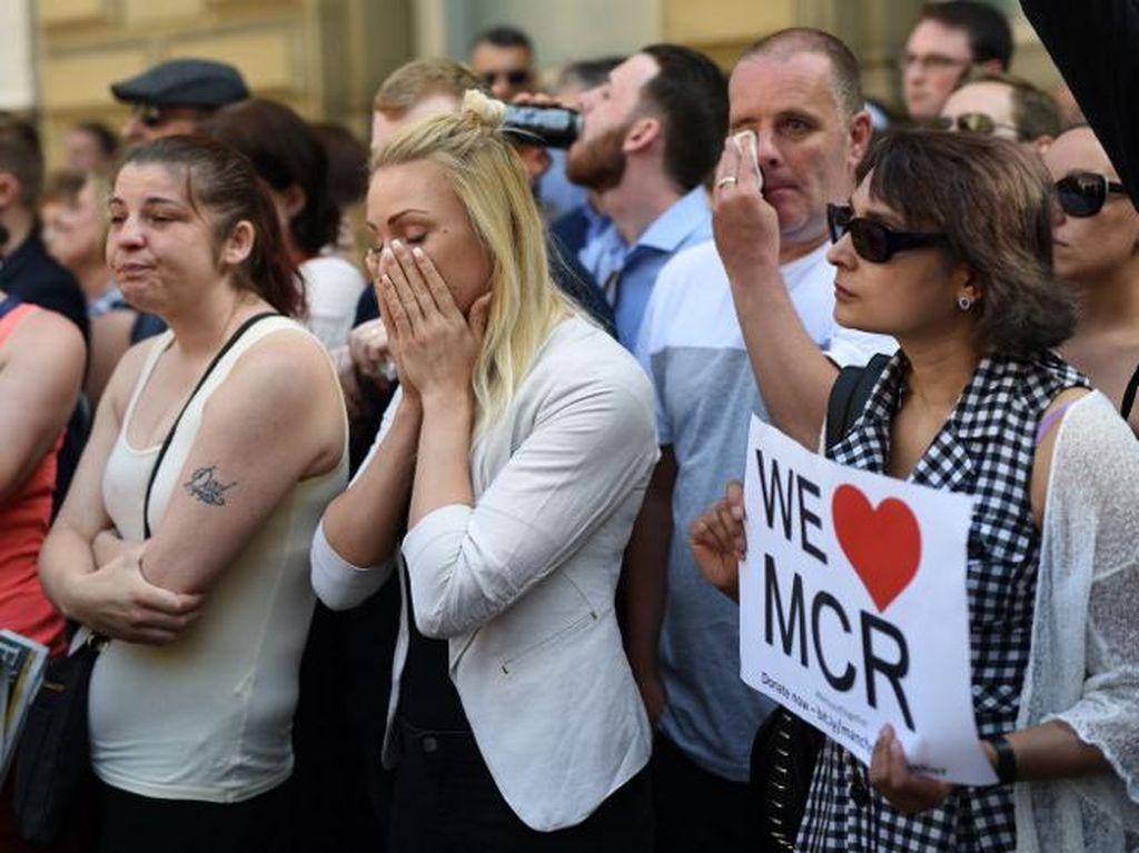 Video Rekaman CCTV Pelaku Bom Manchester