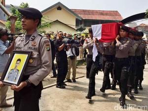 Jenazah Bripda Imam Korban Bom Kampung Melayu Dibawa ke Klaten