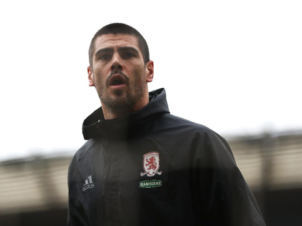 Middlesbrough Degradasi, Valdes Hengkang