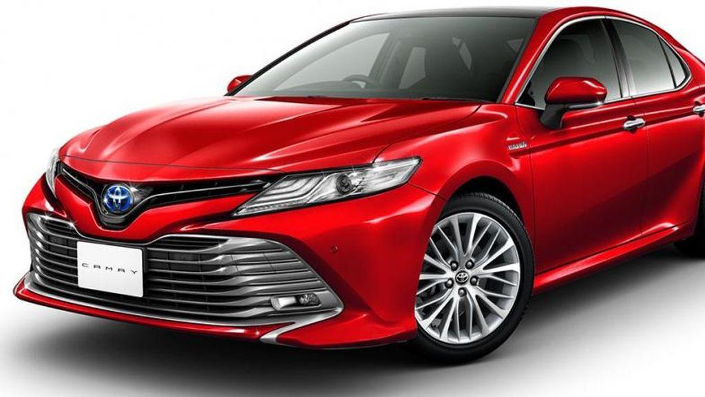 Toyota Camry Terbaru Nih..