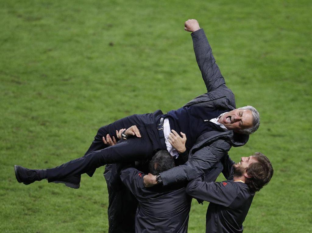 Sekalipun Jalani Musim Tersulitnya, Mourinho Tetap Bikin Rekor