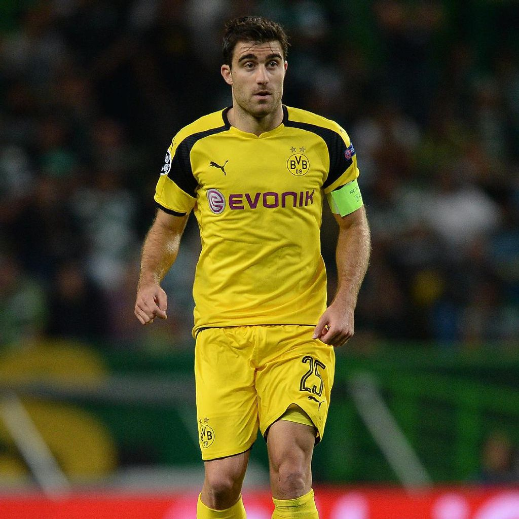 Dambakan Titel Juara, Sokratis Akan Tinggalkan Dortmund?