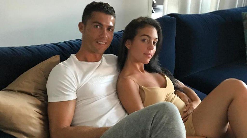 Kekasih Cristiano Ronaldo Dikabarkan Hamil, Ini Kata Sang Ibunda