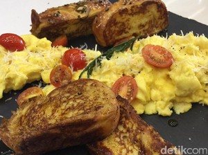 Resep Telur : <i/>Scrambled Eggs and French Toast</i>