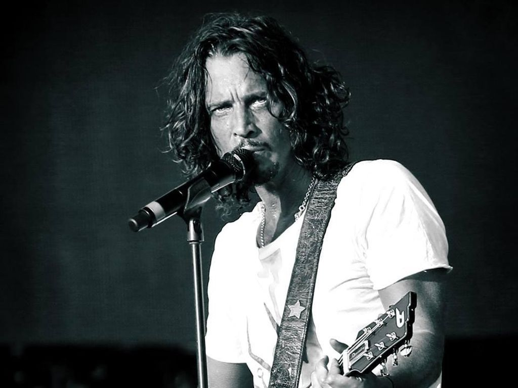 Mendiang Chris Cornell Raih Best Rock Performance