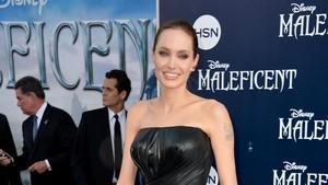 Angelina Jolie Akan Berperan dalam Bride of Frankenstein?