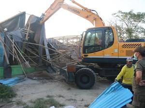Bangunan Liar di Sekitar Bandara Soekarno-Hatta Dibongkar