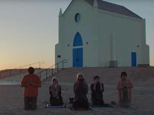 John Legend Rayakan Keberagaman dalam Video Klip Surefire
