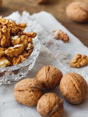 Konsumsi Kacang Kenari Bisa Tekan Nafsu Makan <i>Lho</i>