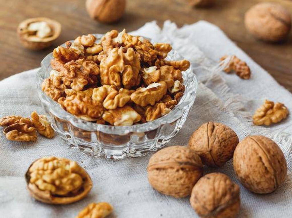 Konsumsi Kacang Kenari Bisa Tekan Nafsu Makan Lho